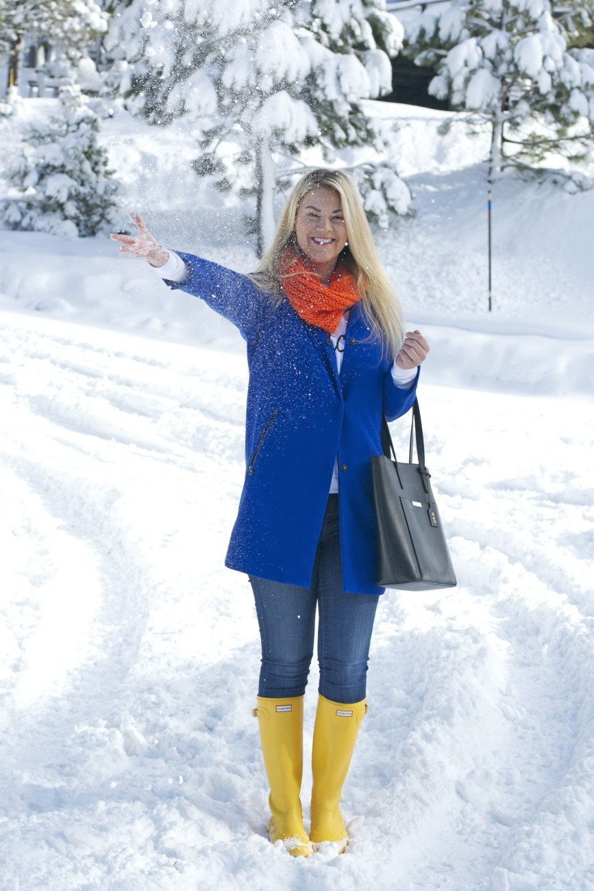 yellow hunter boots snow