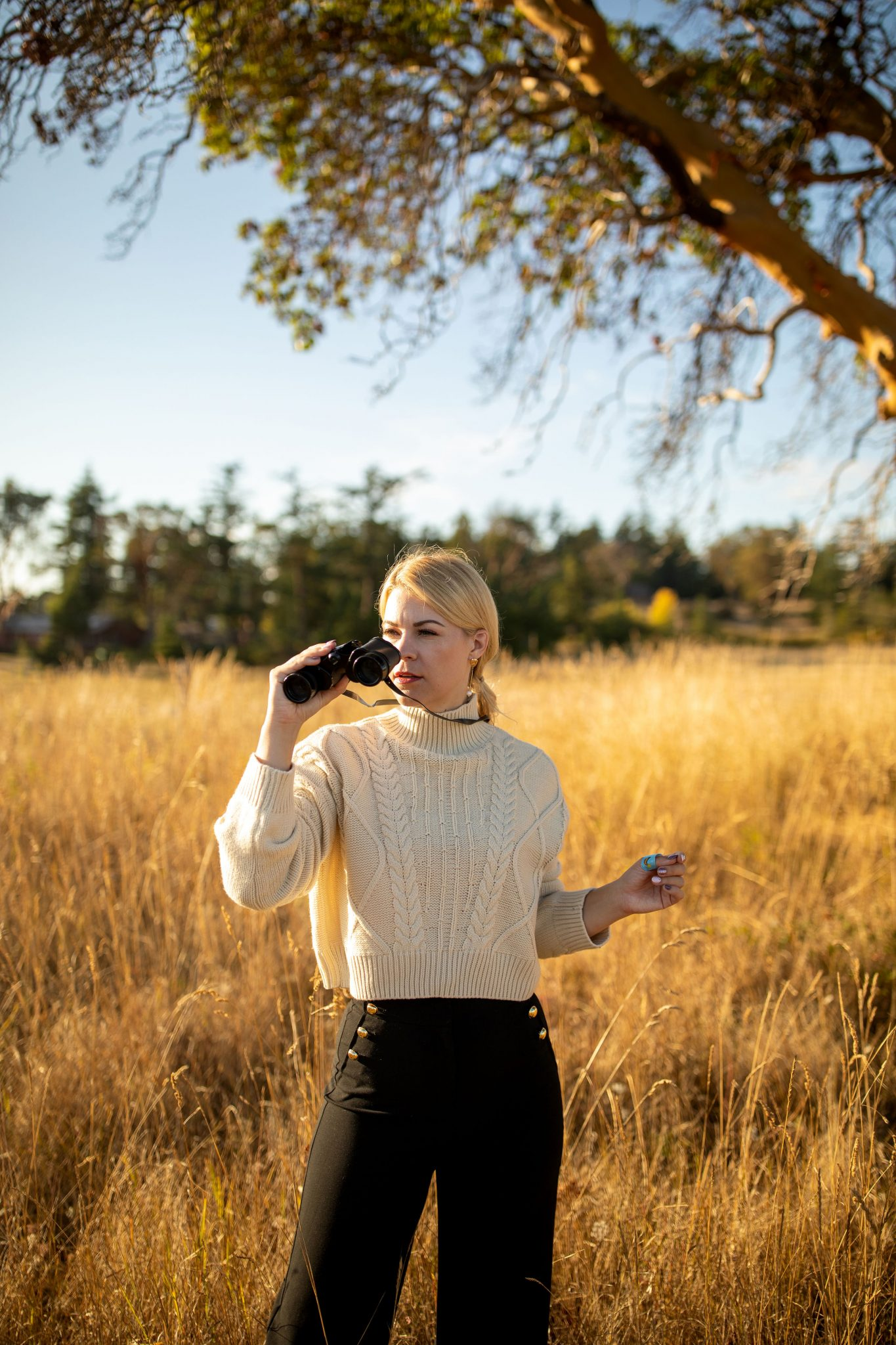 Plaid Blazer by Seattle tall fashion blog, Whit Wanders: image of a woman standing in a field and wearing a pair of Atlantic-Pacific Halogen trousers, and Topshop turtleneck.
